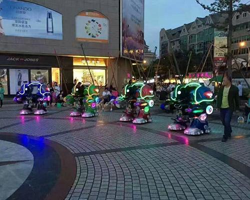 Купить самый отличный аттракион робот из Китая